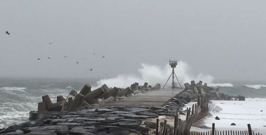 Waved kicked up by the Jan. 26, 2015 nor'easter at Manasquan Inlet. (Photo: Daniel Nee)