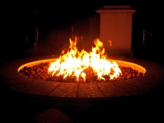 Fire Pit (Photo: Fire. Water. Burn./Flickr)