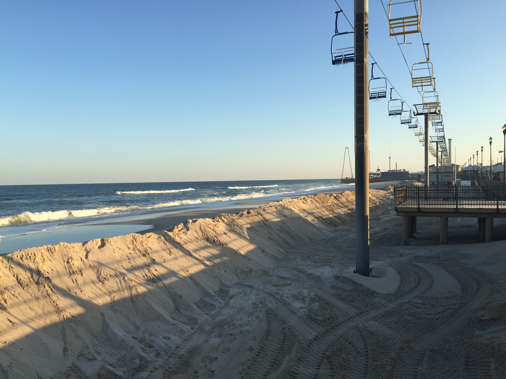 A rebuilt berm in Seaside Heights, Oct. 7, 2015. (Photo: Daniel Nee)