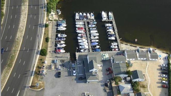 Cranberry Inlet Marina (Photo: rjwatercraftrental.com)