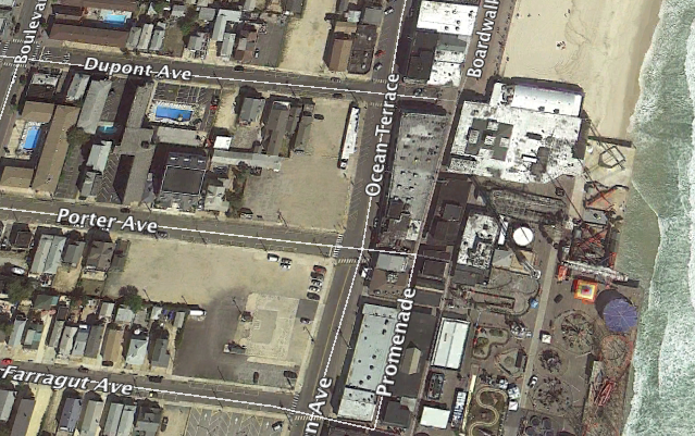 The DuPont Avenue Pier, in a 2010 aerial photo, before being destroyed in a 2013 fire. (Credit: Google Earth)