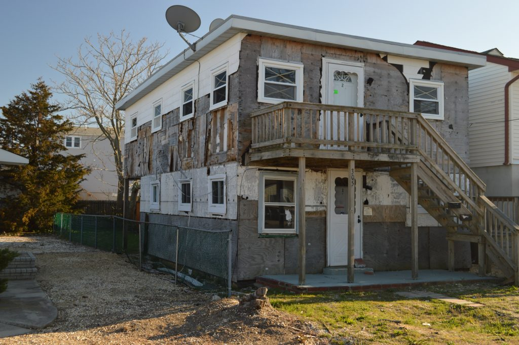 A home on Hiering Avenue in Seaside Heights slated for demolition. (Photo: Daniel Nee)