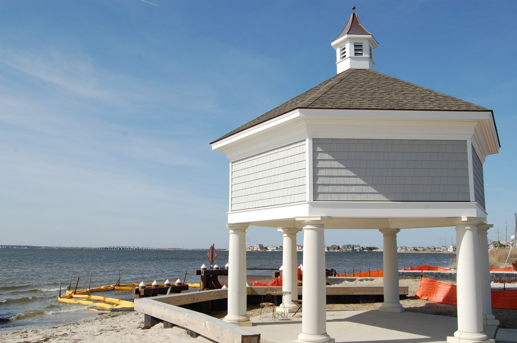 The gazebo marking a pump station in Seaside Park, N.J., March 30, 2016. (Photo: Daniel Nee)