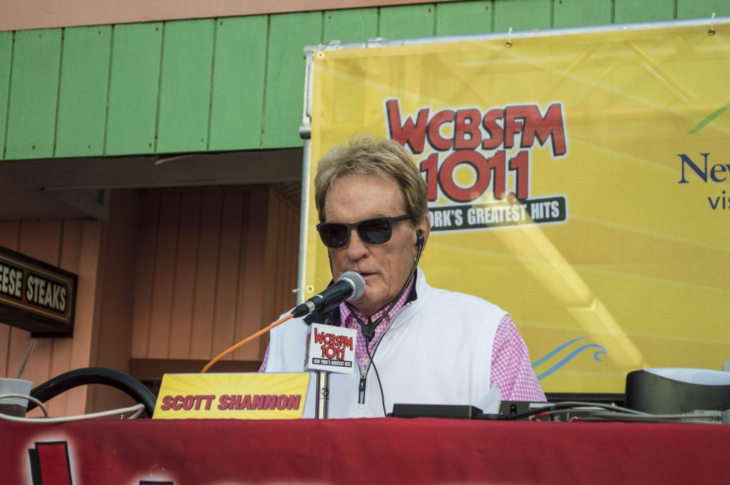 Scott Shannon hosting his 2016 Summer Blast Off from Seaside Heights. (Photo: Daniel Nee)