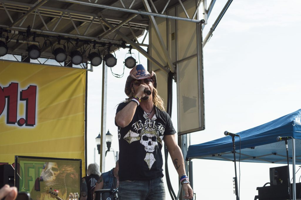 Bret Michaels Performs in Seaside Heights. (Photo: Daniel Nee)
