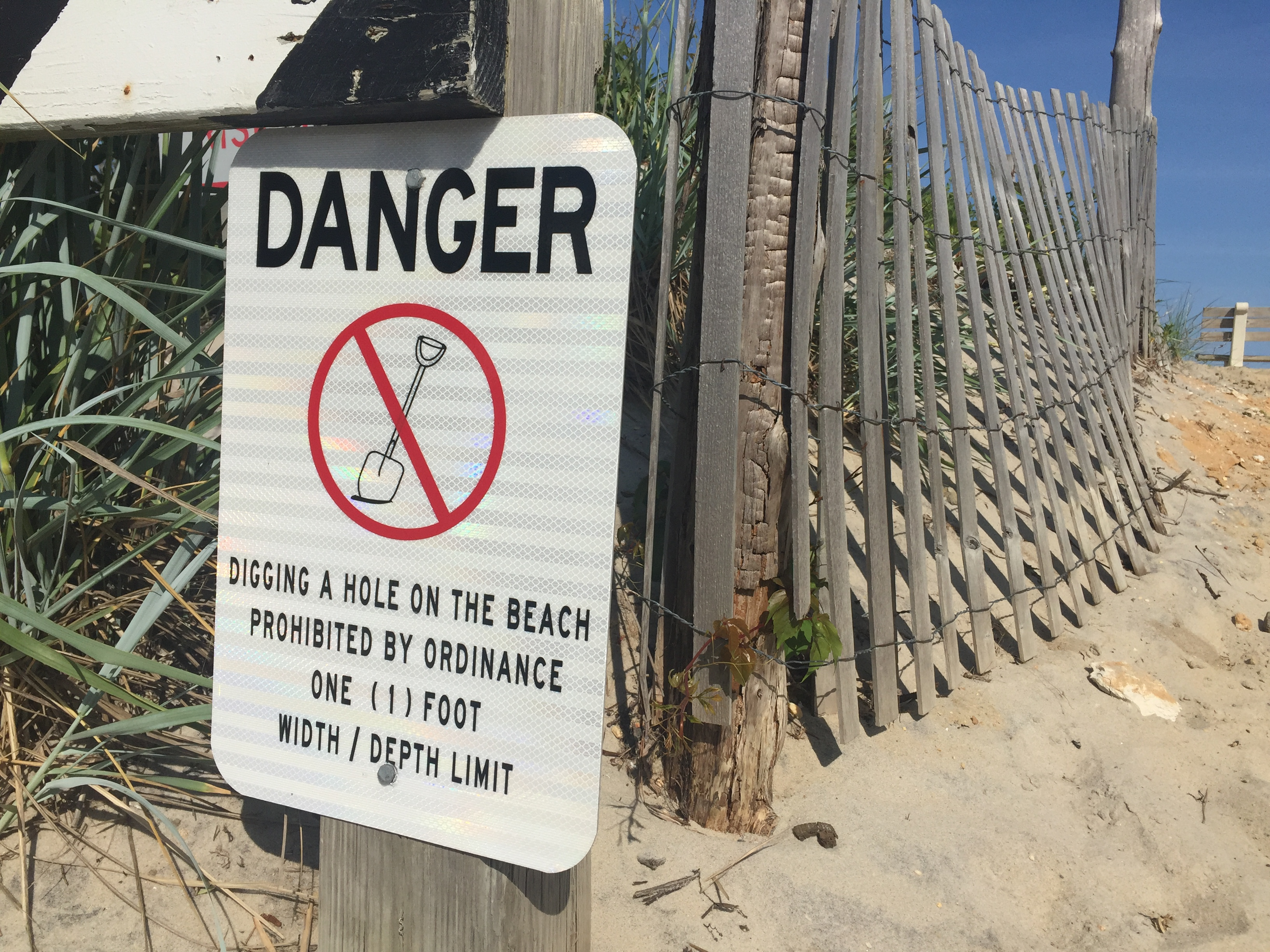 Digging A Hole Is Banned At This Ocean County Beach Photo Daniel Nee