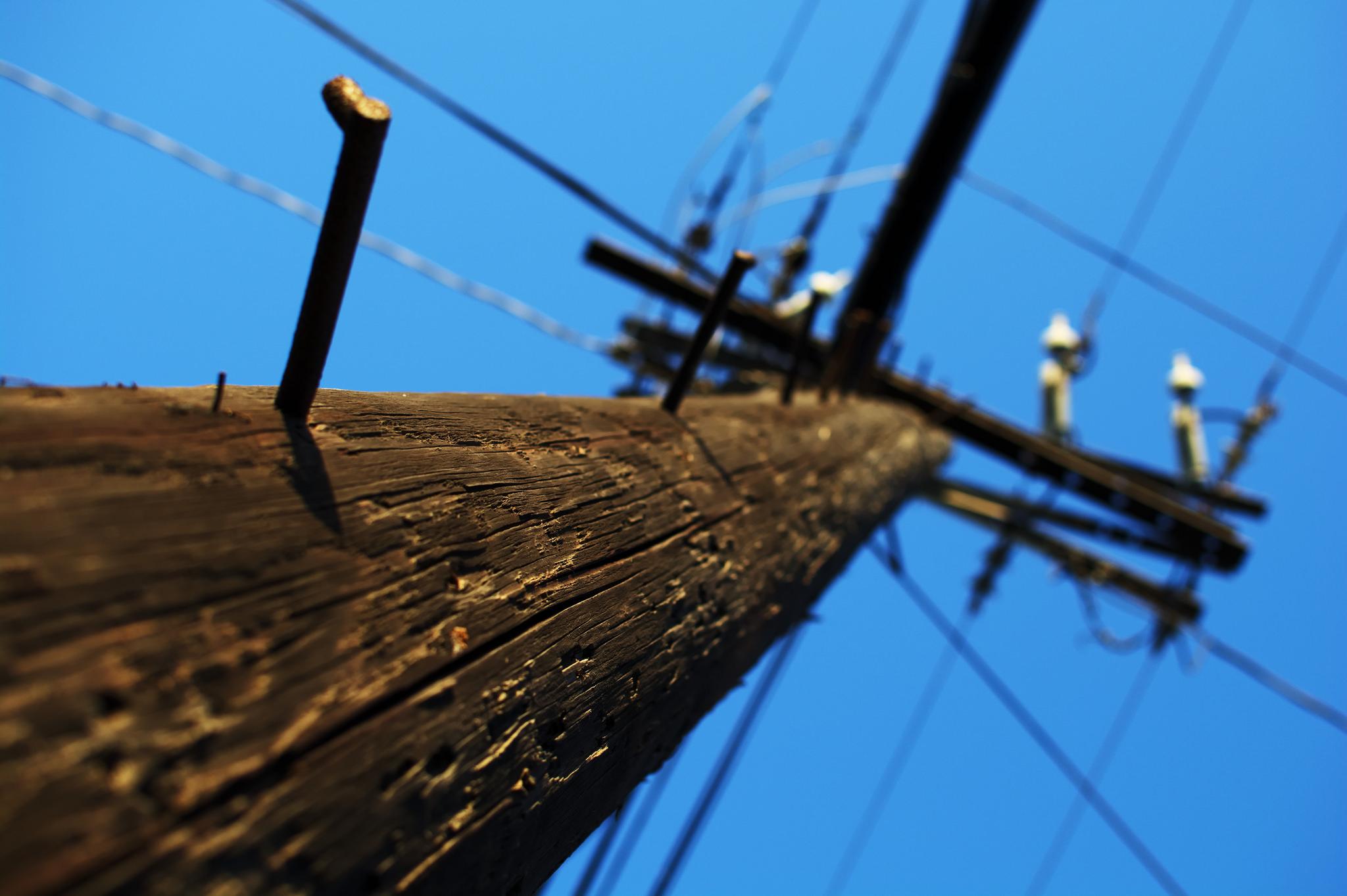 Utility Pole (Credit: Maëlick/Flickr)