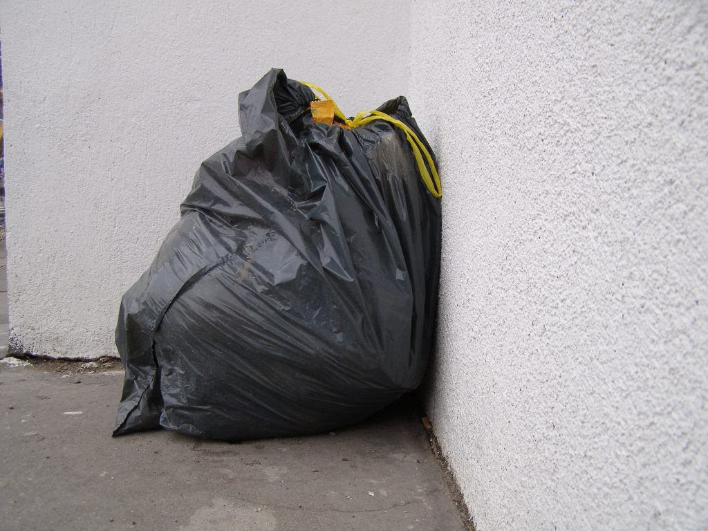 Trash bag. (Photo: Erich Ferdinand/Flickr)