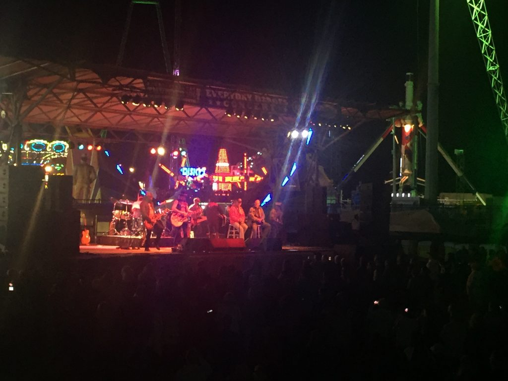 The 2016 Everyday Heroes concert in Seaside Heights, featuring Big & Rich. (Photo: Daniel Nee)