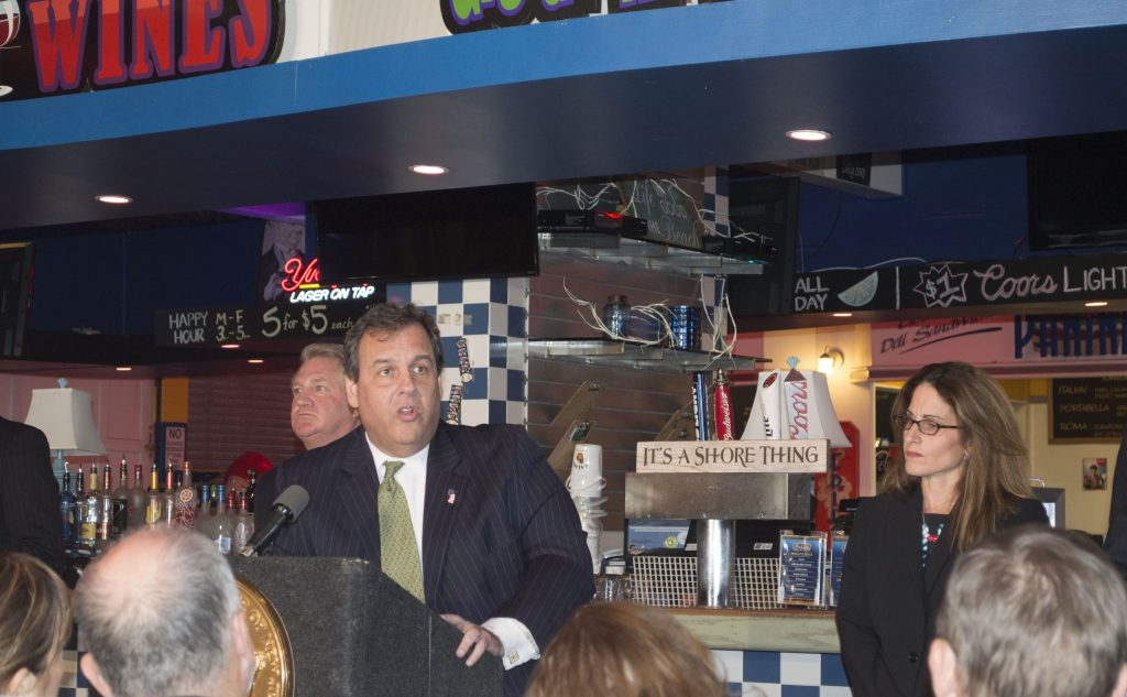 Gov. Chris Christie appears at Jimbo's Bar and Grill in Seaside Heights, Oct. 28, 2016. (Photo: Daniel Nee)