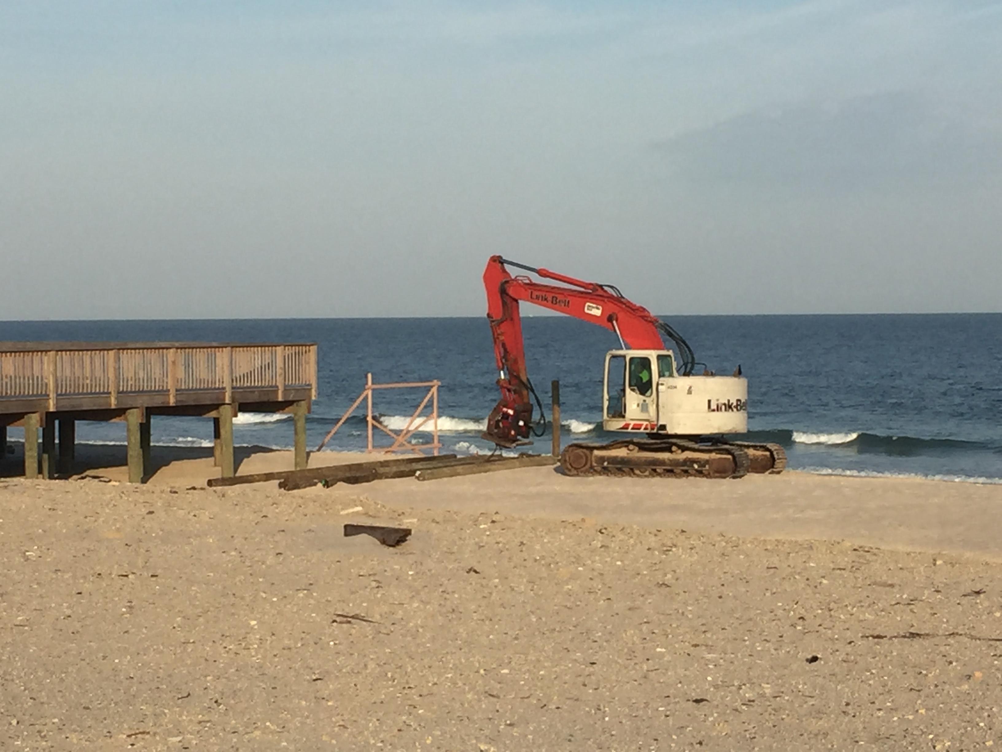 Construction on the Belle-Freeman property begins in Seaside Heights, N.J, Nov. 2, 2016. (Photo: Daniel Nee)