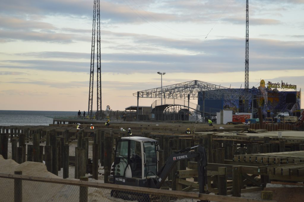 Construction on Casino Pier, Dec. 1, 2016. (Photo: Daniel Nee)