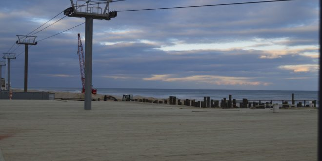Construction on Casino Pier, Dec. 1, 2016. (Photo: Daniel Nee)