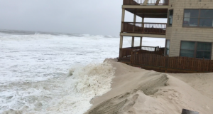 Waves lash the Golden Gull condominium in Ortley Beach. (Photo: Daniel Nee)