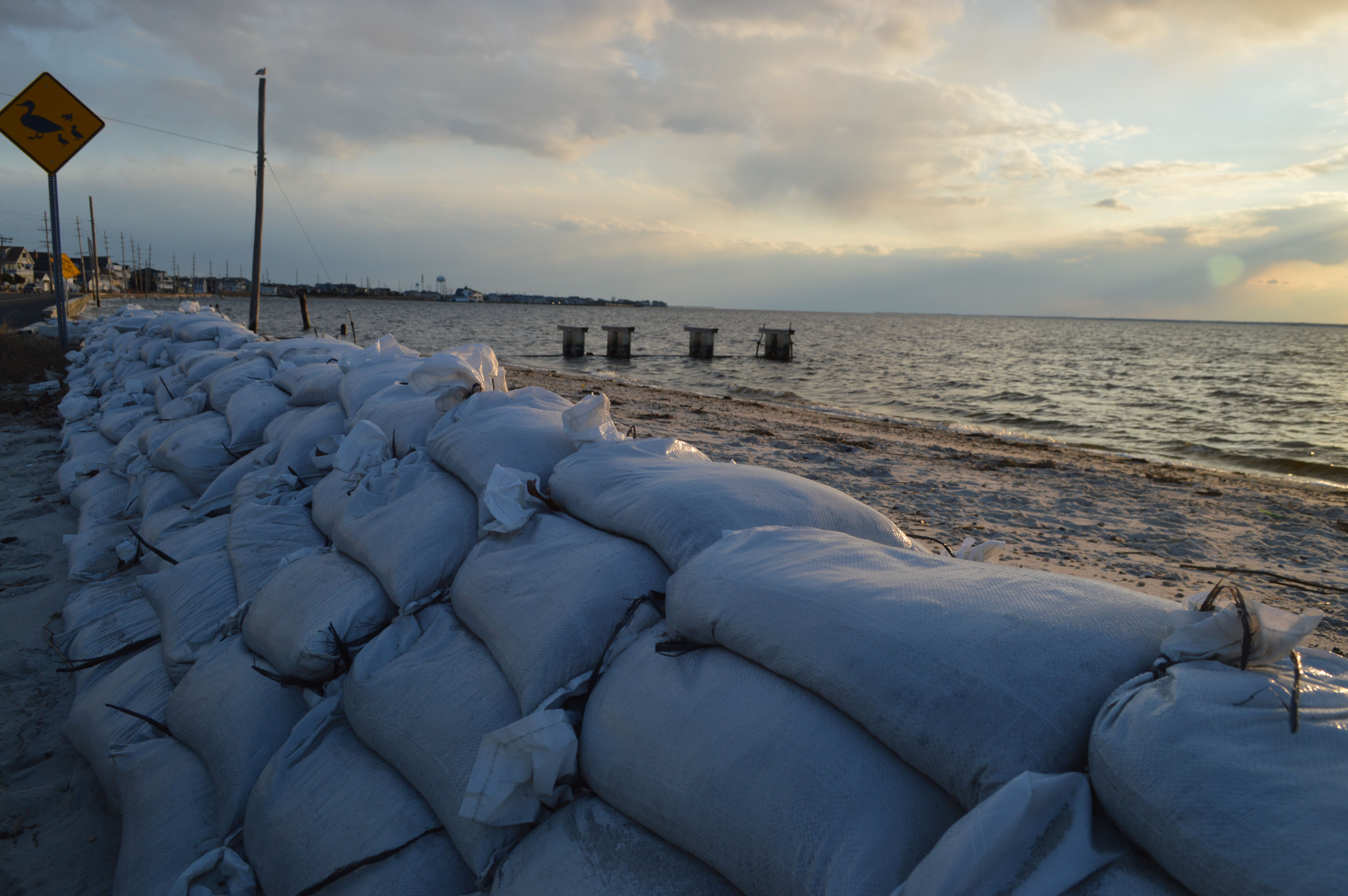 Sandbags positioned along North Bayview Avenue in Seaside Park, Jan. 20, 2017. (Photo: Daniel Nee)