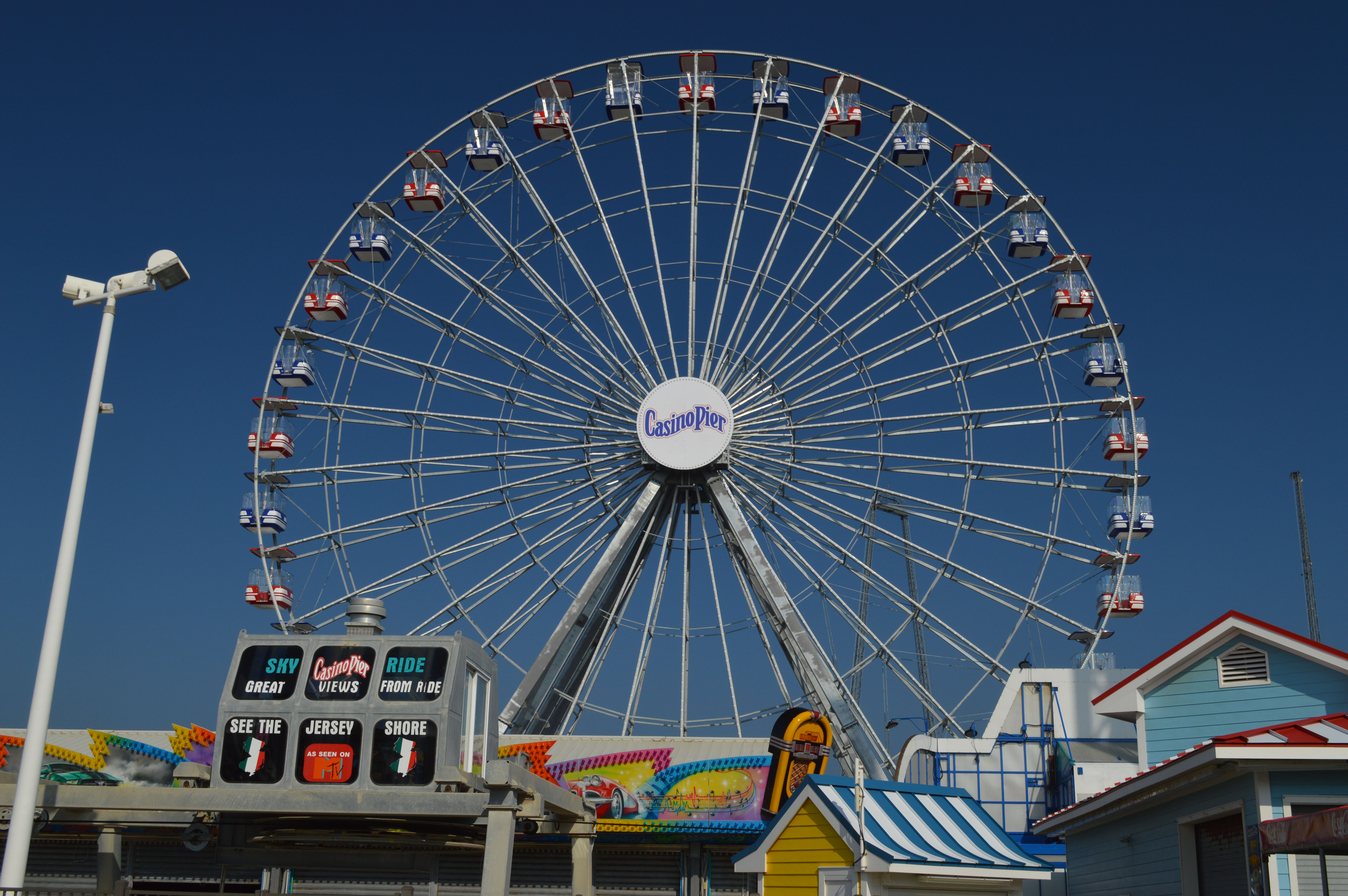 The new Ferris wheel at Casino Pier in Seaside Heights. (Photo: Daniel Nee)