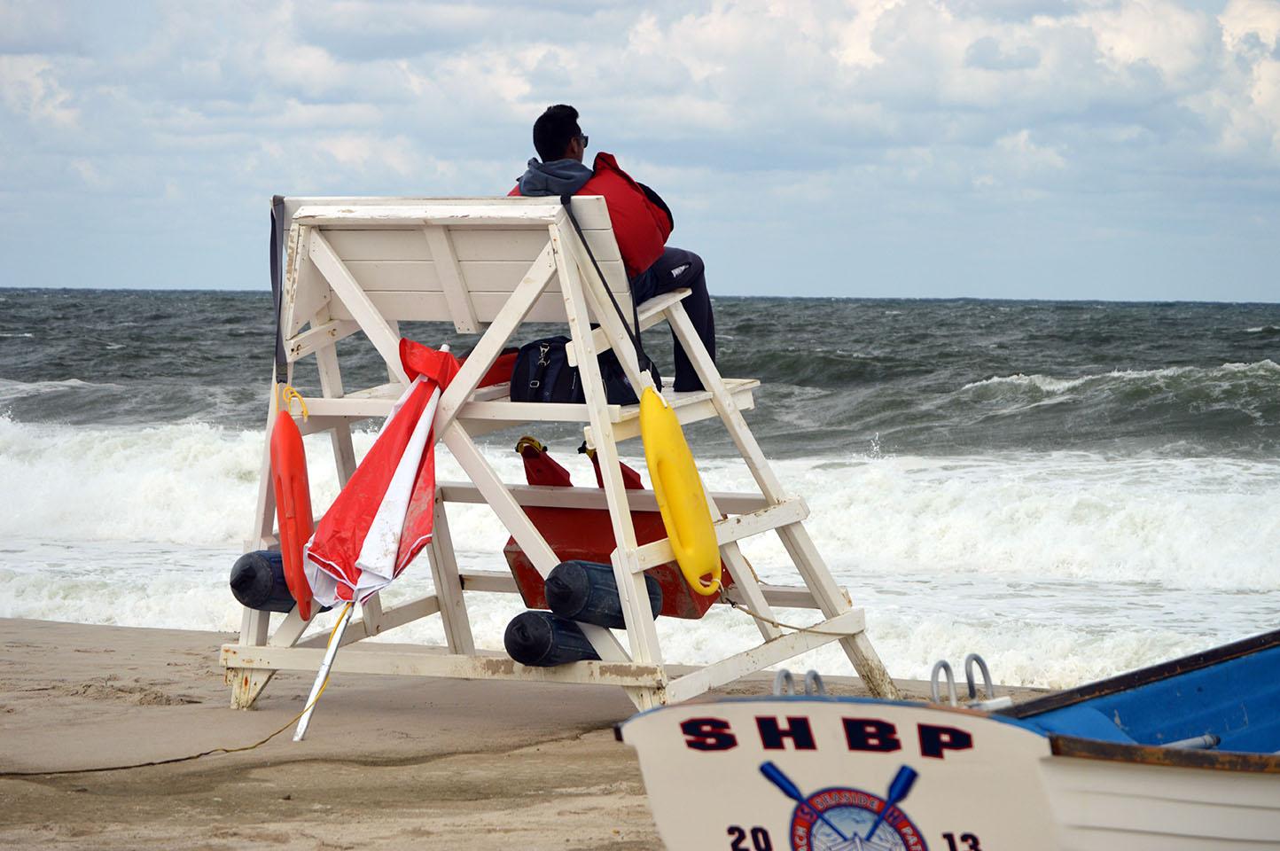 Rough surf closes beaches in Seaside Heights, N.J., Aug. 28, 2017. (Photo: Daniel Nee)