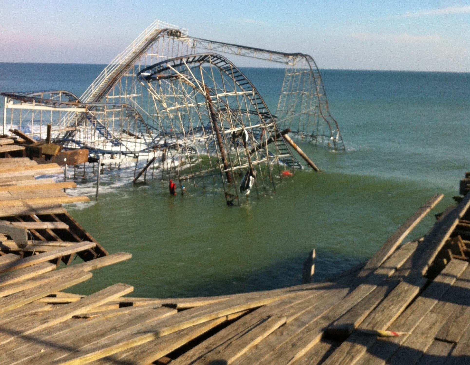 Casino Pier, destroyed and sitting in the ocean, Nov. 2012. (Photo: Daniel Nee)