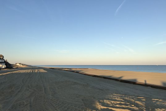 Beach replenishment work in Mantoloking, N.J., Nov. 27, 2017. (Photo: Daniel Nee)