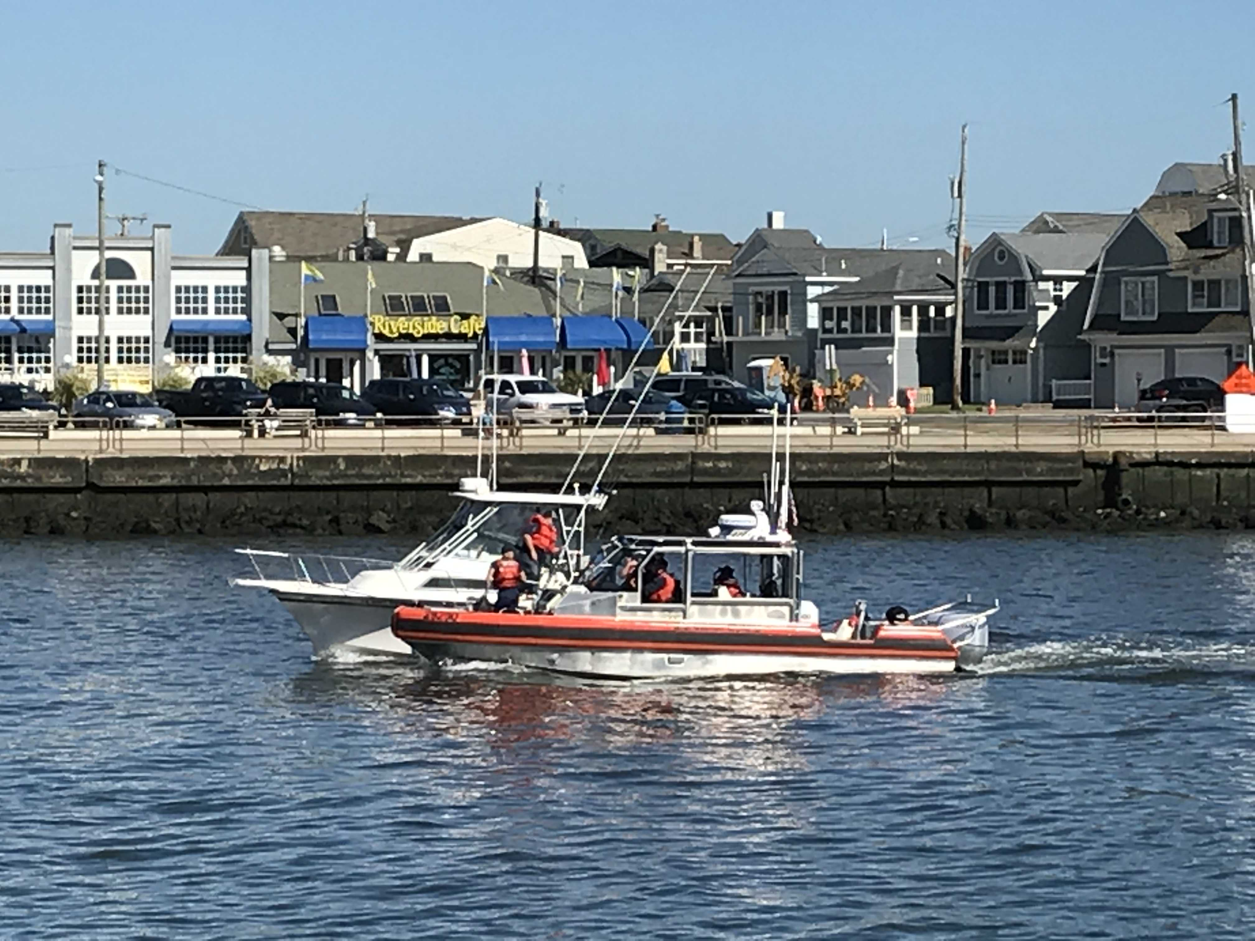 A U.S. Coast Guard crew in Manasquan Inlet, N.J. (Photo: Daniel Nee)