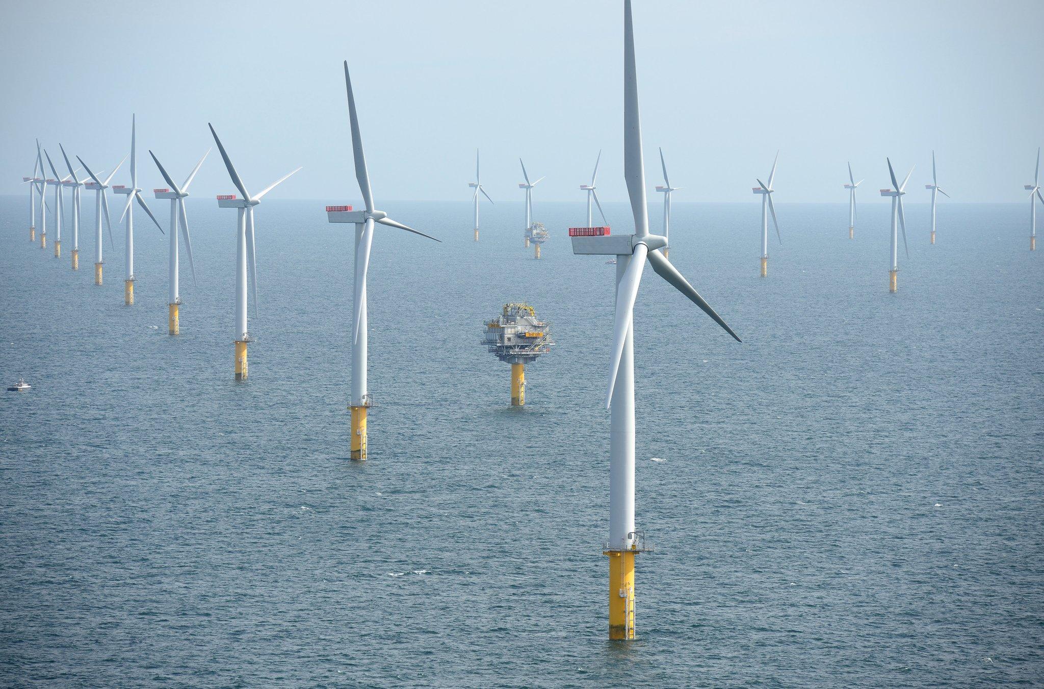 Offshore wind turbine. (Photo: Harald Pettersen/Statoil)
