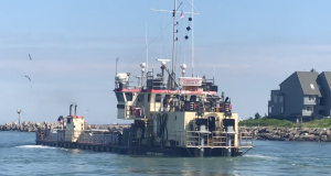 The dredge boat Currituck in Manasquan Inlet, June 21, 2018. (Photo: Daniel Nee)