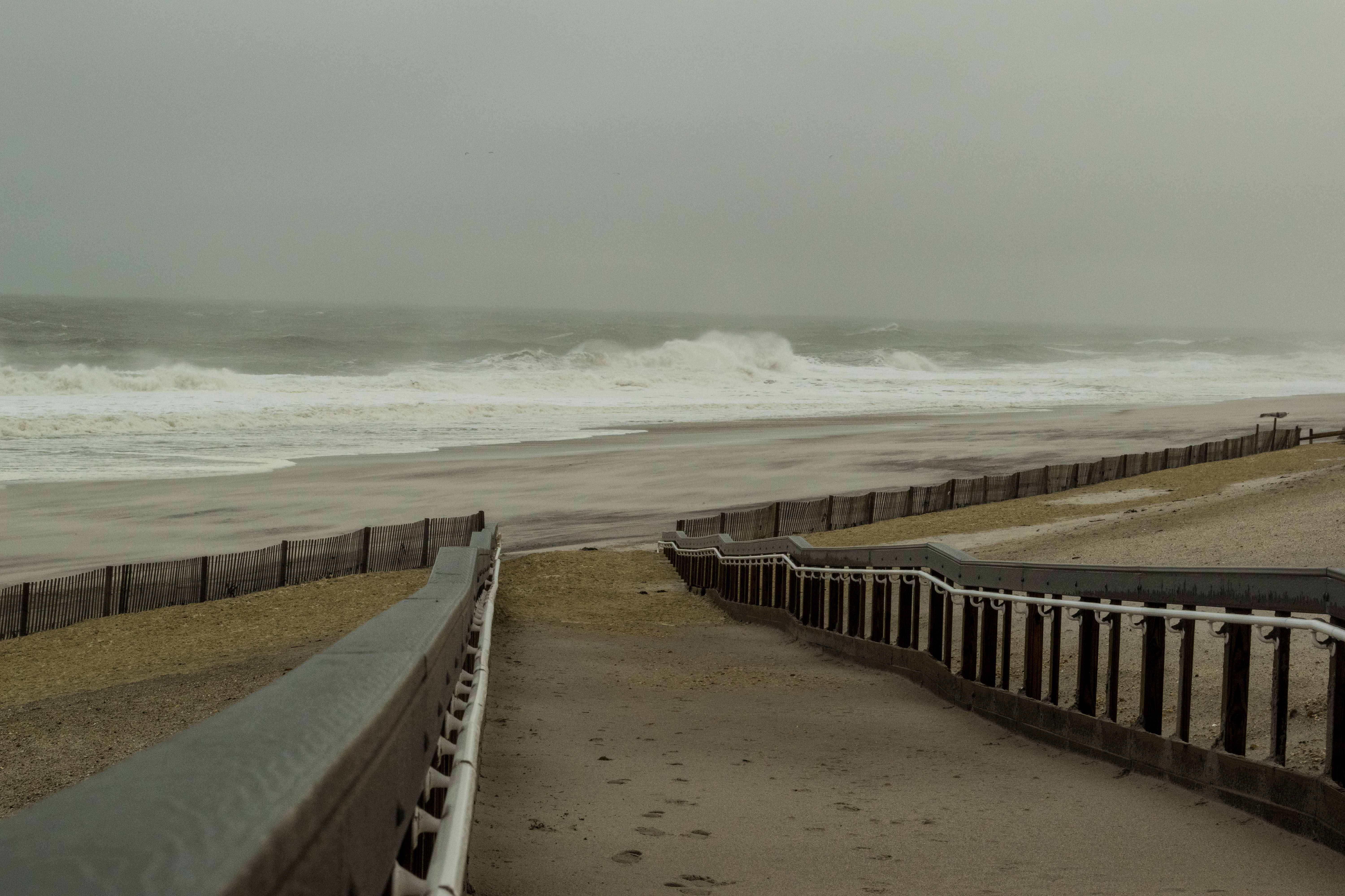 Waves crash at Brick Beach III during the Oct. 27, 2018 nor'easter. (Photo: Daniel Nee)