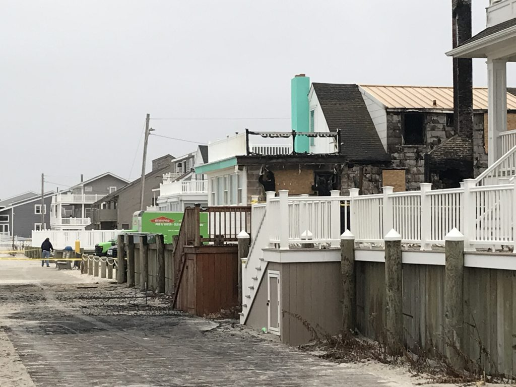 A home on the oceanfront in Lavallette near Newark Avenue that burnt down Dec. 20, 2018. (Photo: Daniel Nee)