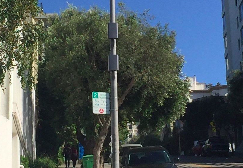 5G network nodes on a street light stanchion. (Credit: Hawaii News Now)