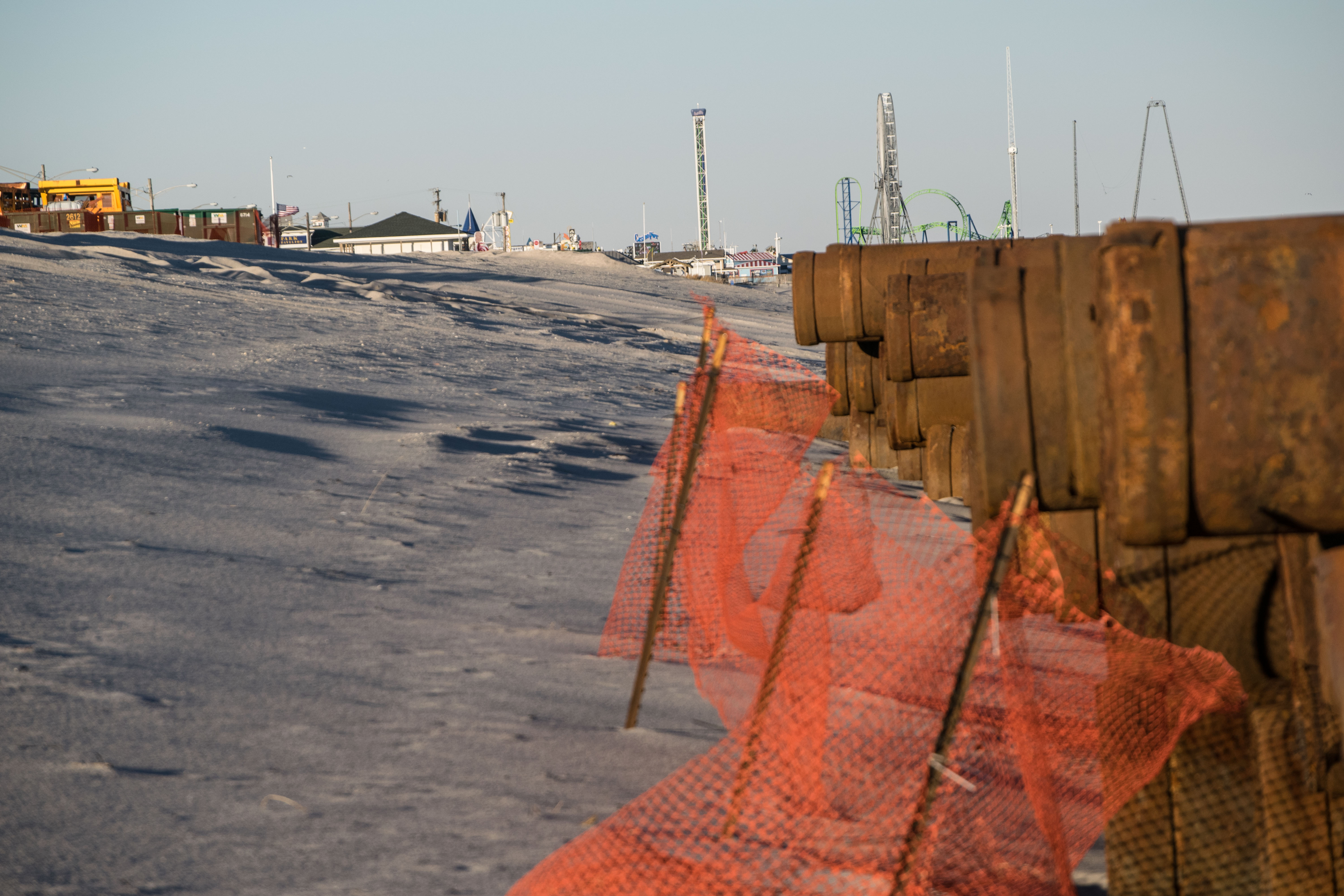 Equipment on the beach in Seaside Park as replenishment work is about to restart, Dec. 18, 2018. (Photo: Daniel Nee)