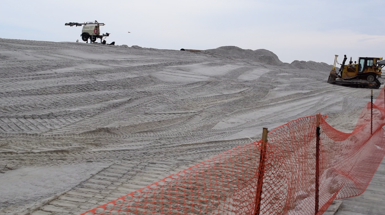 Dunes begin to take shape at the Lavallette beachfront, Feb. 6, 2019. (Photo: Daniel Nee)