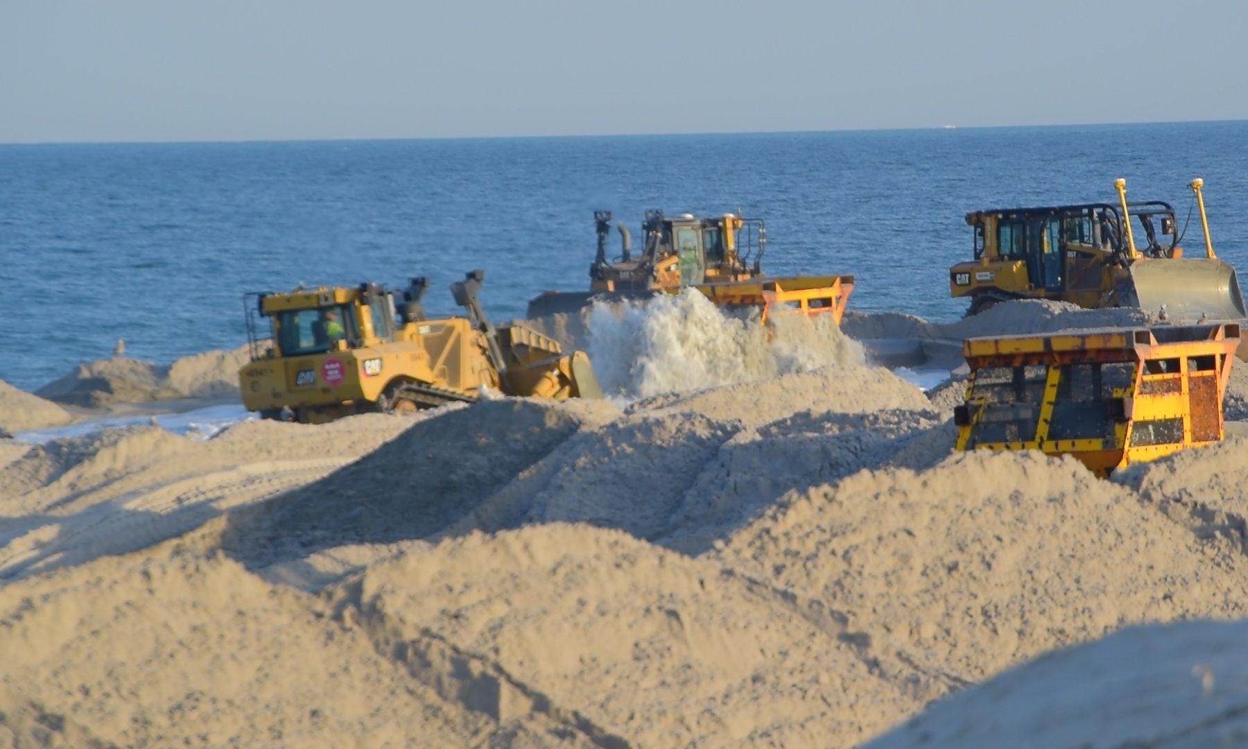 Beach replenishment work in Lavallette, April 4, 2019. (Photo: Daniel Nee)