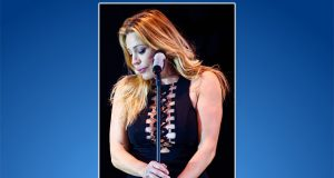 Taylor Dayne (Credit: By Justin Higuchi - https://www.flickr.com/photos/jus10h/29555780335, CC BY 2.0, https://commons.wikimedia.org/w/index.php?curid=56520641)