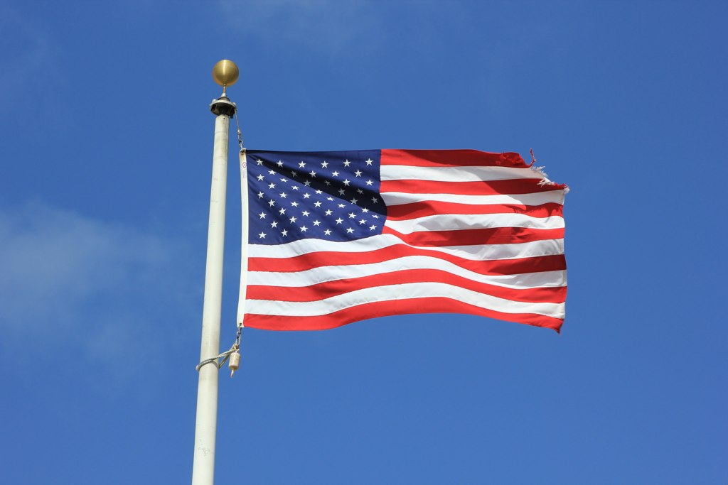 American Flag (Photo: Cristian Ramírez/ Flickr)