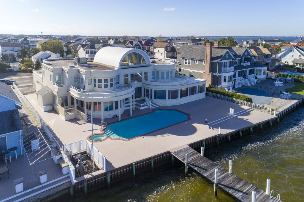 Actor Joe Pesci's Lavallette home, currently listed for sale. (Photo Credit: TopTenRealEstateDeals.com)