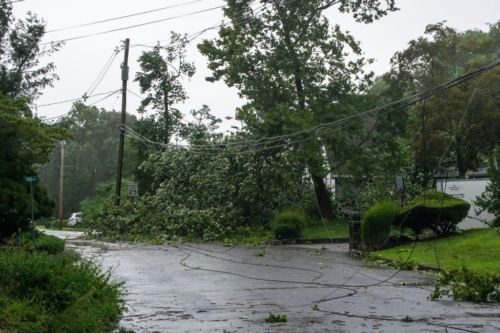 Tropical Storm Isais comes ashore in Ocean County, N.J. (Photo: Daniel Nee)