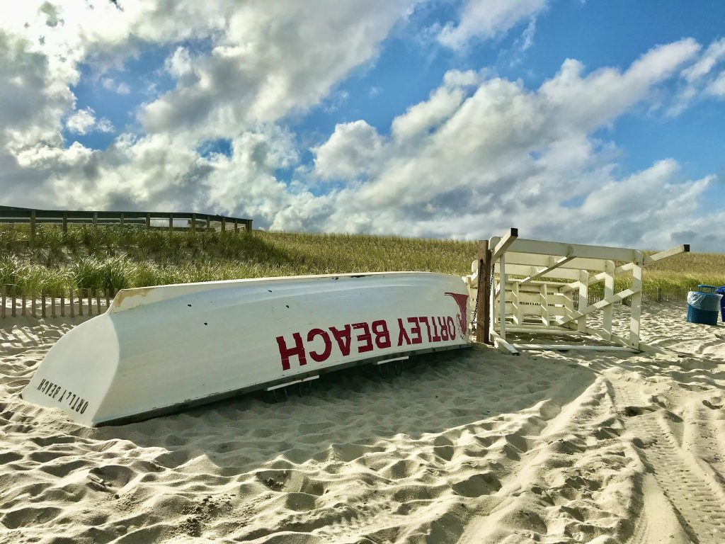 An Ortley Beach lifeguard chair and rescue boat. (Photo: Daniel Nee)