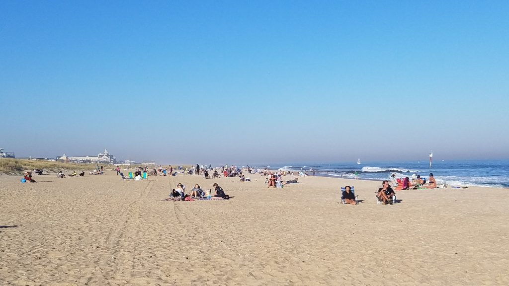 A coveted November beach day, Nov. 8, 2020. (Photo: Patricia Nee)