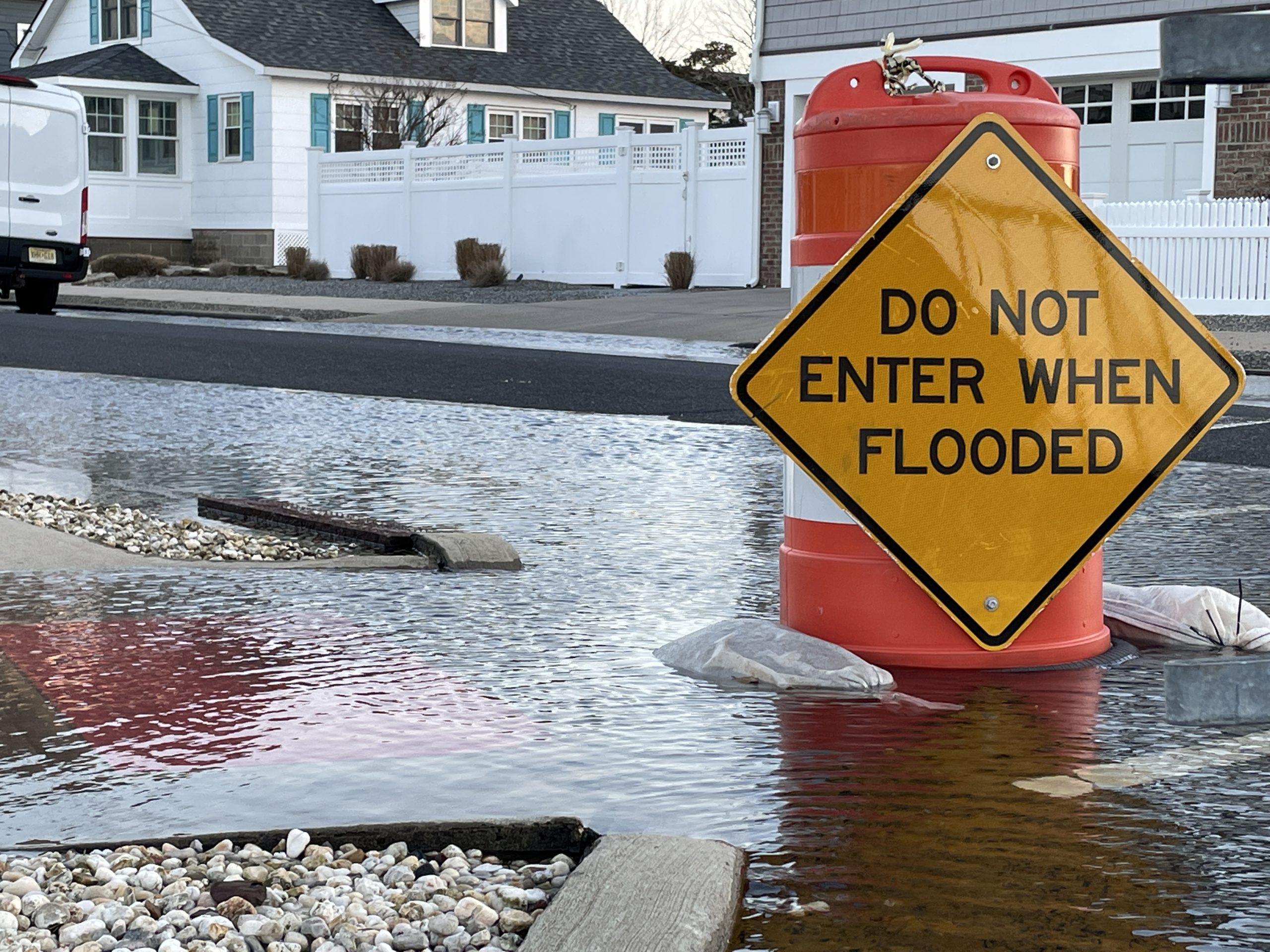 Flooding in the Normandy Beach neighborhood, Jan. 2021. (Photo: Daniel Nee)