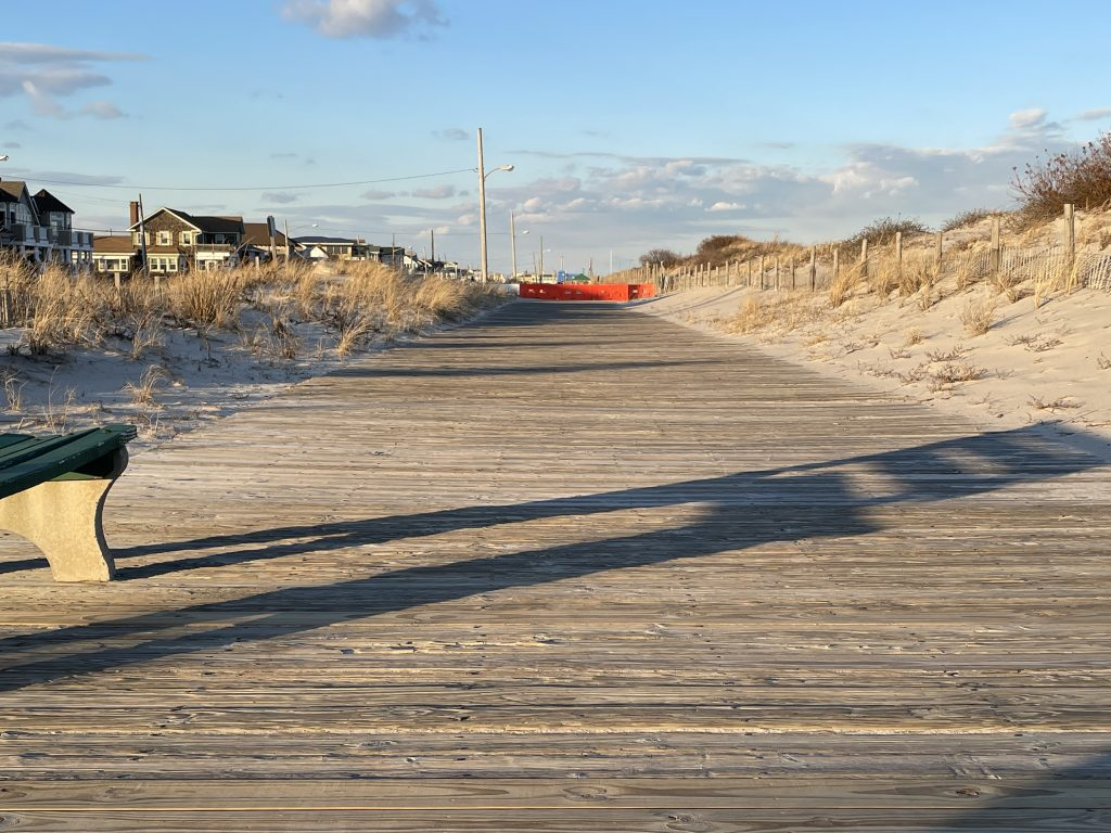 A blocked portion of the Seaside Park boardwalk, Jan. 2021. (Photo: Daniel Nee)