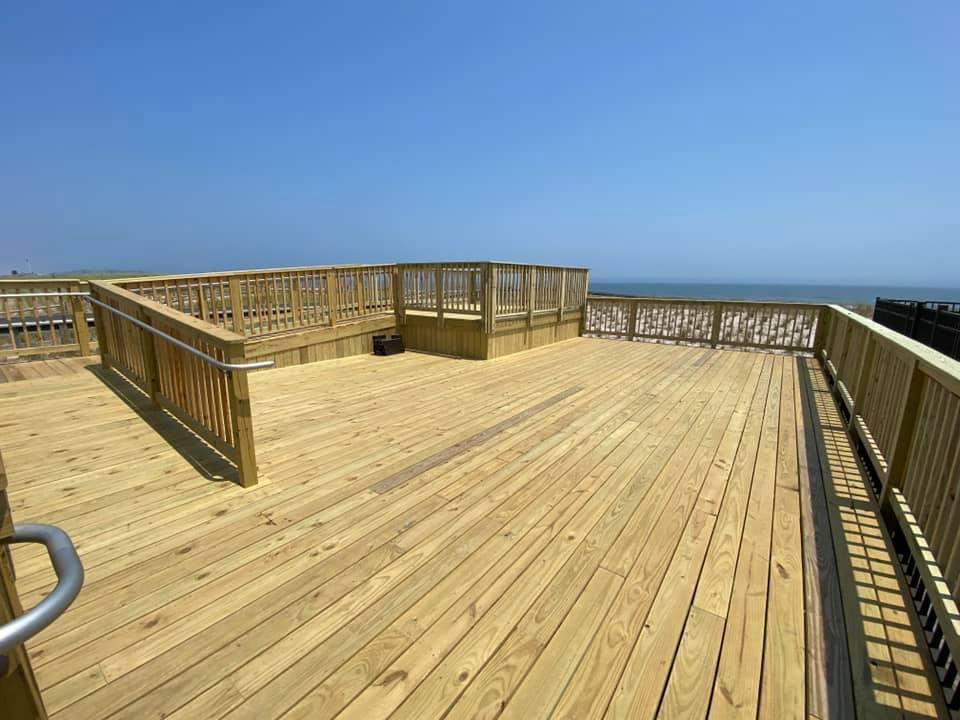The 'sun deck' viewing platform at Hiering Avenue, Seaside Heights, N.J., May 2021. (Photo: Chris Vaz)