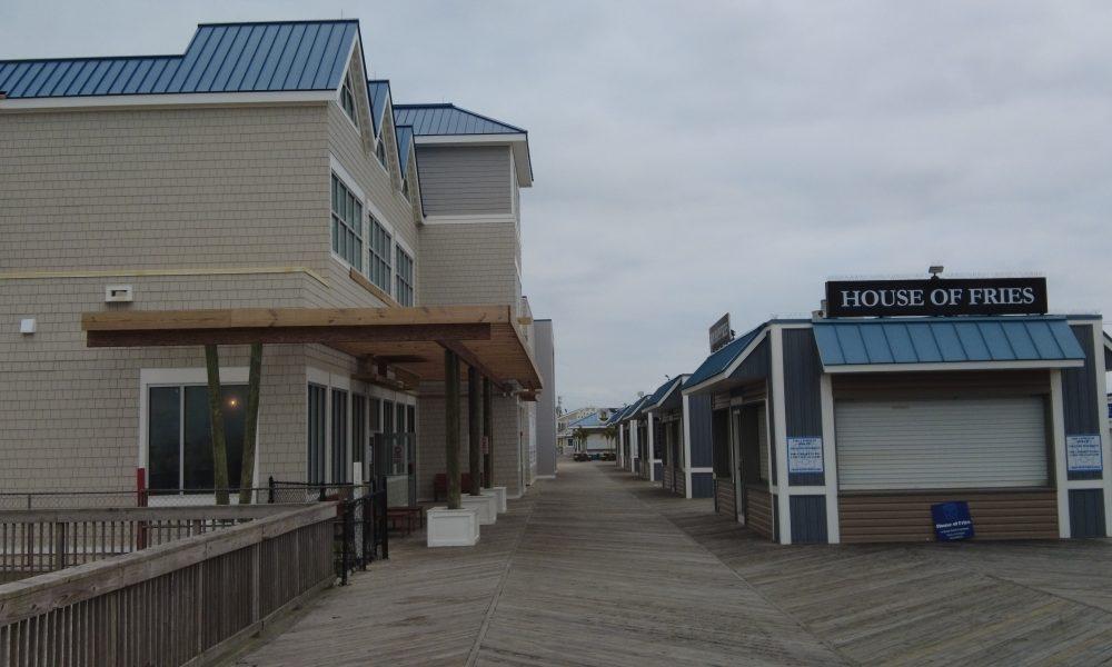 The Ocean Club and adjacent kiosks, Seaside Heights, N.J., Oct. 2021. (Photo: Daniel Nee)